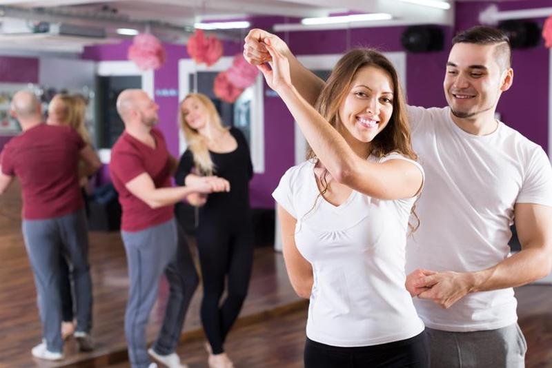 Plesni tečaj (soplesalca priskrbimo mi)