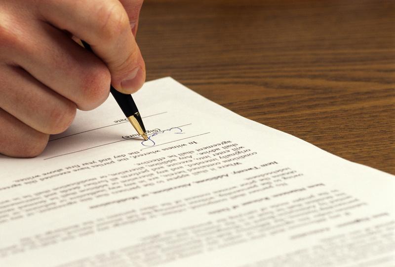 Sklepanje in izpolnjevanje pogodb